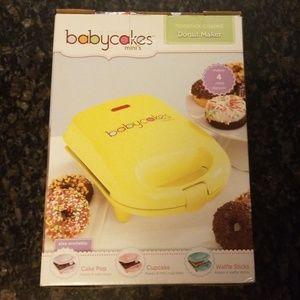 Babycakes mini's nonstick coated donut maker